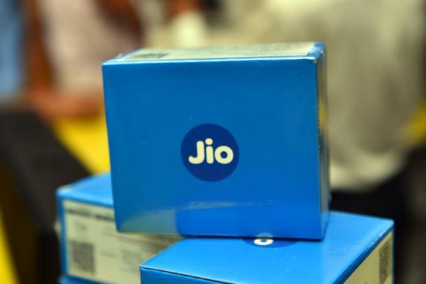 Jio Phone Lite Feature Phone with No Internet Connectivity Could Launch for Around Rs 400